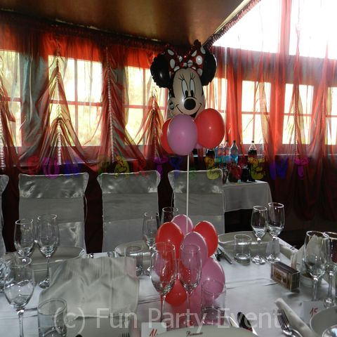 Decor masa botez: Minnie